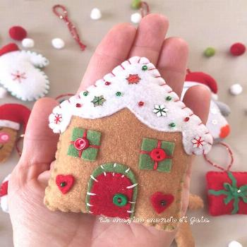 Gingerbread houseChristmas pudding and Gingerbread man.Set of 3 felt ornaments.Christmas decoration